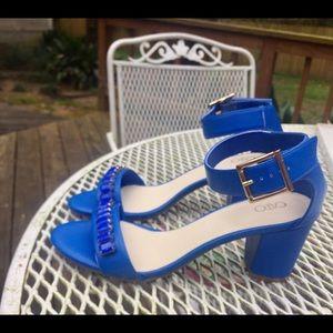 NWOB blue strap heels